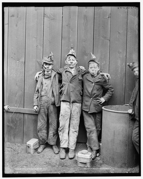 Image from Library of Congress Breaker Boys at the Woodward Coal Mines in Kingston, Pa.